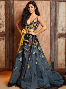 Summer Wedding Function Outfit Ideas